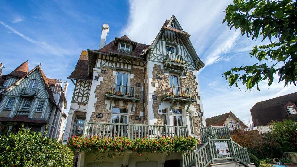 Hôtel Augeval - EDIT_FRONT_01.jpg