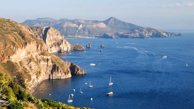 Soggiorno sull'Isola di Vulcano, nelle Isole Eolie, in un resort 4*