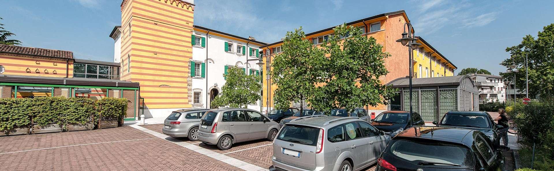 Hotel Villa Malaspina - EDIT_FRONT_01.jpg