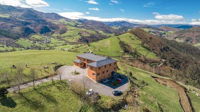 Vuela Libre: Escapada Romántica con Gastronomía en la Mágica Asturias (desde 2 noches)