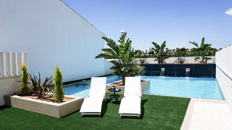Hotel La Laguna Spa & Golf - EDIT_N2_POOL_03.jpg
