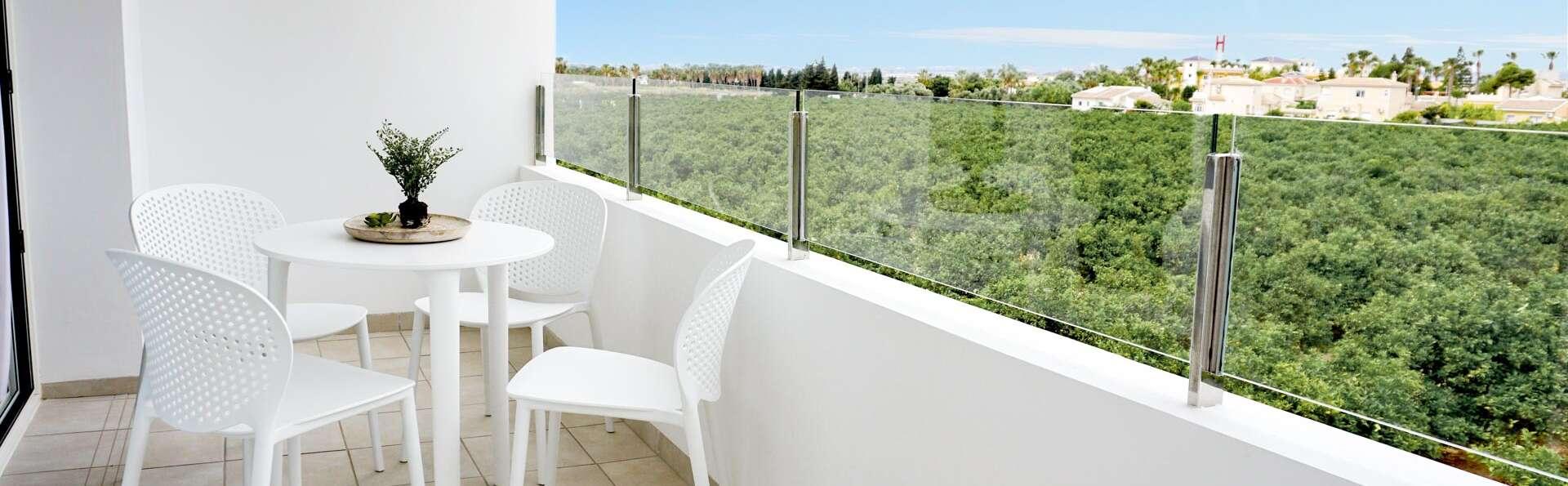Hotel La Laguna Spa & Golf - EDIT_N2_TERRACE_01.jpg