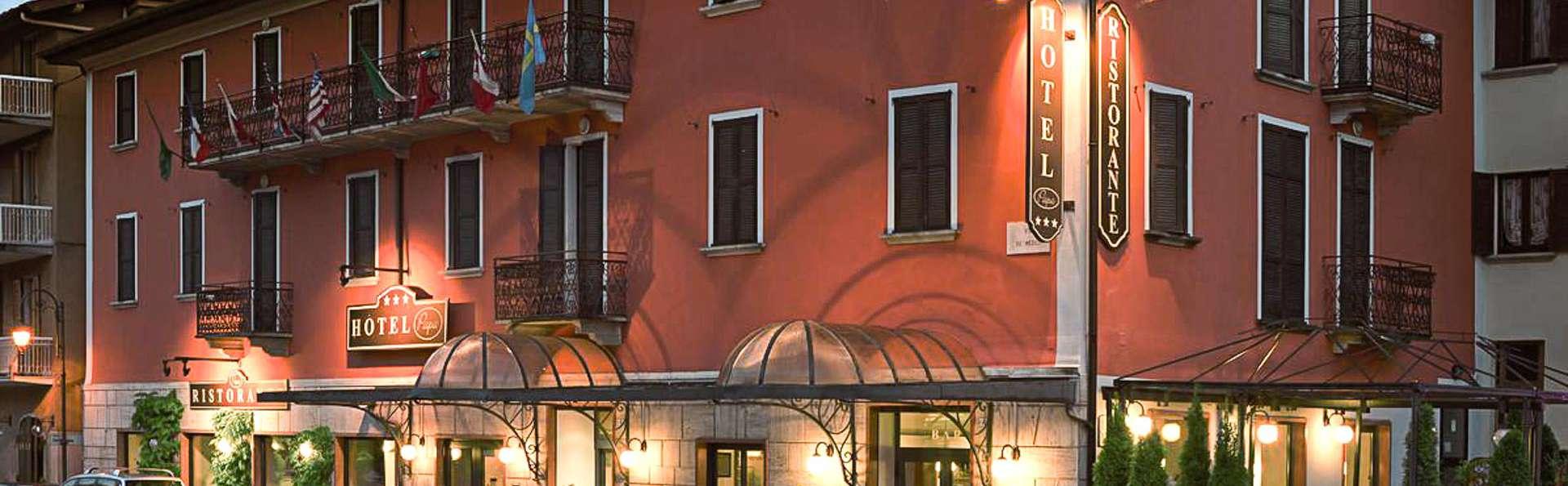 HG Hotel Papa - EDIT_FRONT_02.jpg
