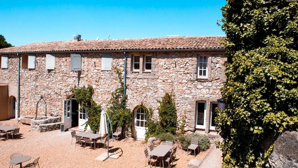 Mercure Aix-en-Provence Sainte-Victoire - EDIT_N2_TERRACE_04.jpg