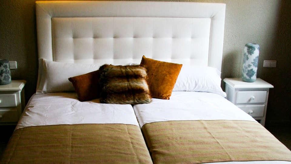 Hotel El Pradet - EDIT_ROOM.jpg