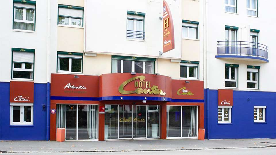 Hotel Center  - EDIT_FRONT_01.jpg