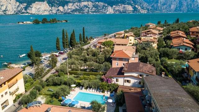 Weekend sul Lago di Garda in un'oasi verde con giardino e piscina