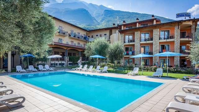 Soggiorno in villa affacciata sul lago di Garda