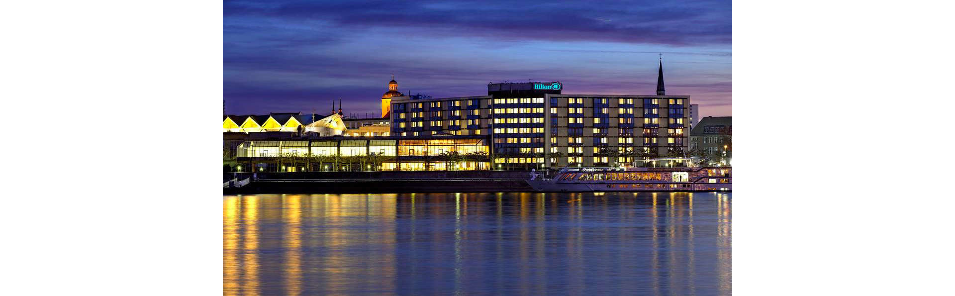 Hilton Mainz - EDIT_FRONT_01.jpg