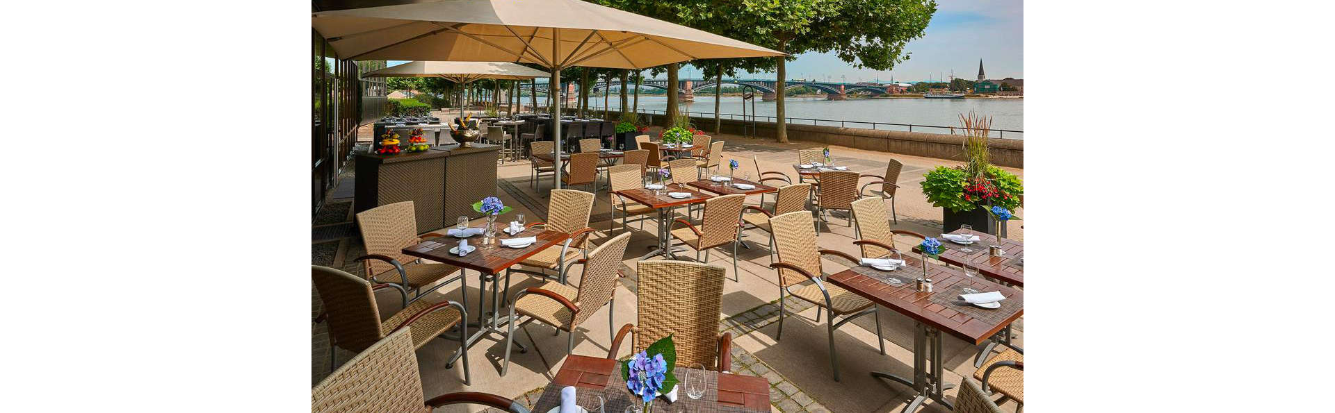 Hilton Mainz - EDIT_TERRACE_01.jpg