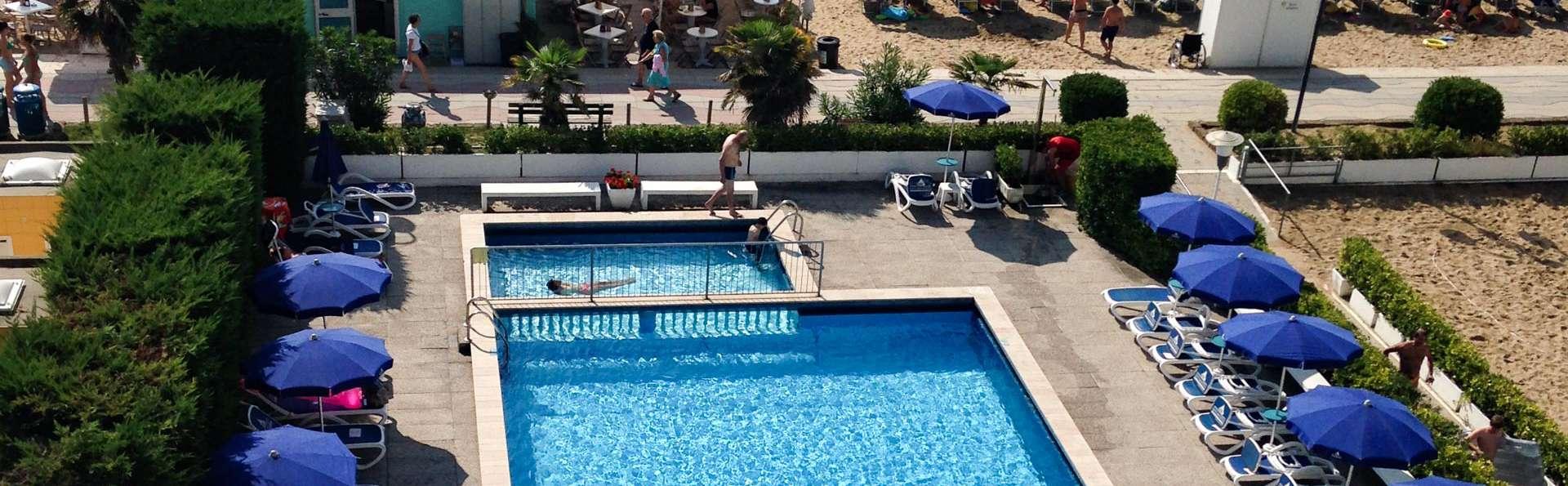 Hotel Heron - EDIT_POOL_02.jpg