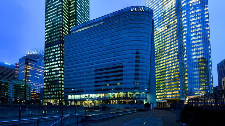 Melia Paris La Défense - EDIT_FRONT.jpg