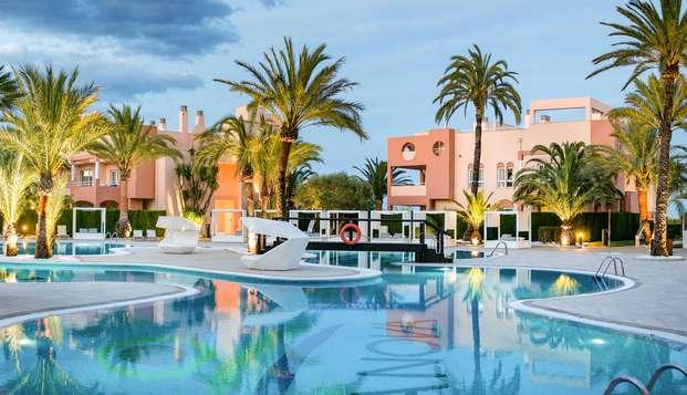 Escapada en suite: primera linea de mar y acceso al spa en Oliva
