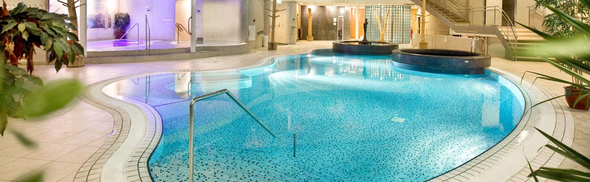 Pure détente chez Thermen et vue sur l'eau depuis votre chambre d'hôtel