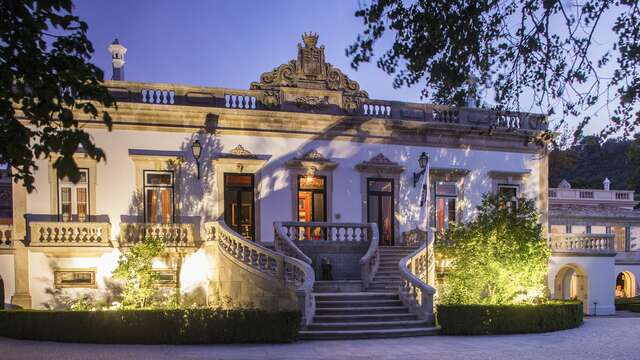 Escapada familiar 4x3 con acceso al Spa, vino de Porto y detalle de bienvenida (desde 4 noches)