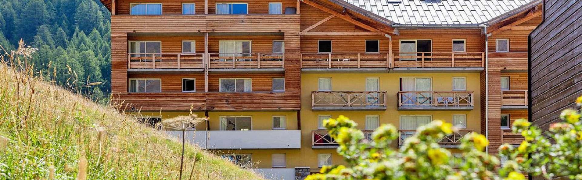 Résidence Les Cimes du Val D'Allos - EDIT_Exterieur.jpg