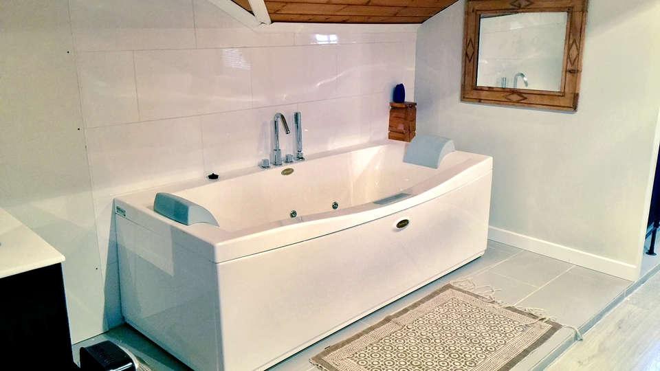 Hostal les Suites (Adults Only) - EDIT_bath4.jpg