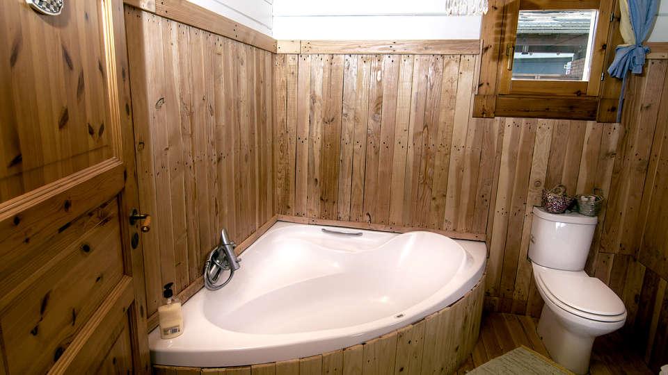 Hostal les Suites (Adults Only) - EDIT_bath2.jpg