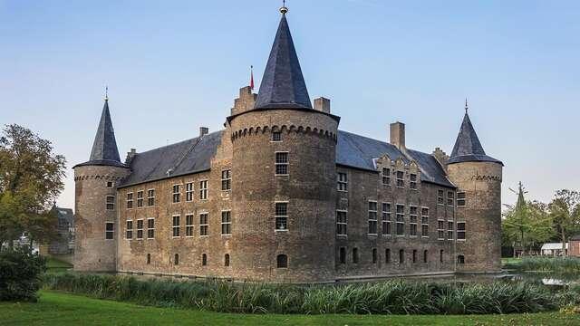Confort et intimité à Helmond, ville des célèbres maisons-cubes