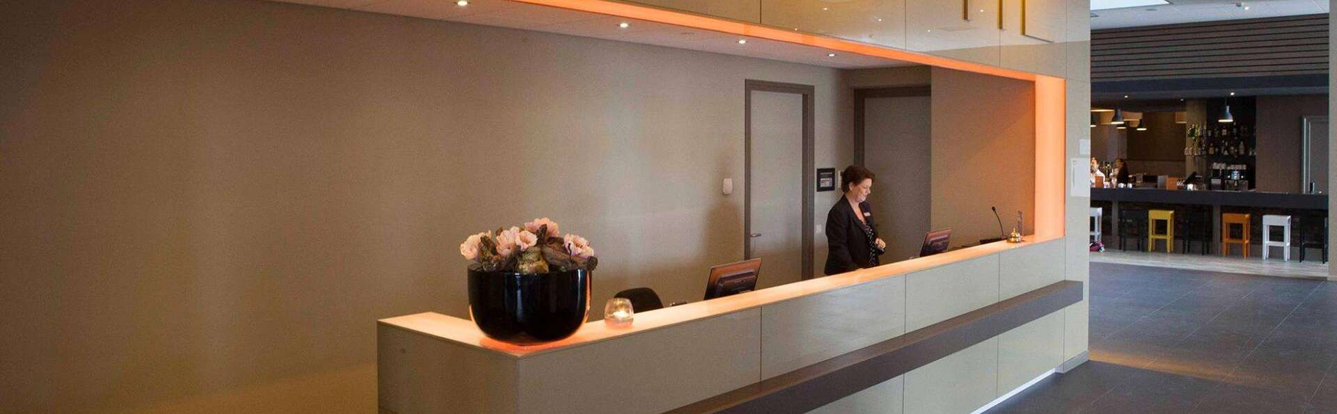 Fletcher Wellness-Hotel Helmond  - edit_reception.jpg