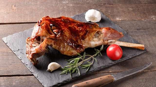 Para amantes de la Carne: Escapada con Menú de ternasco lechal en Campo
