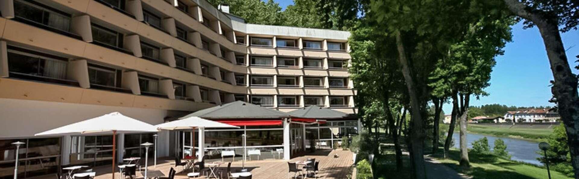 Dax Hotel - EDIT_TERRACE_01.jpg