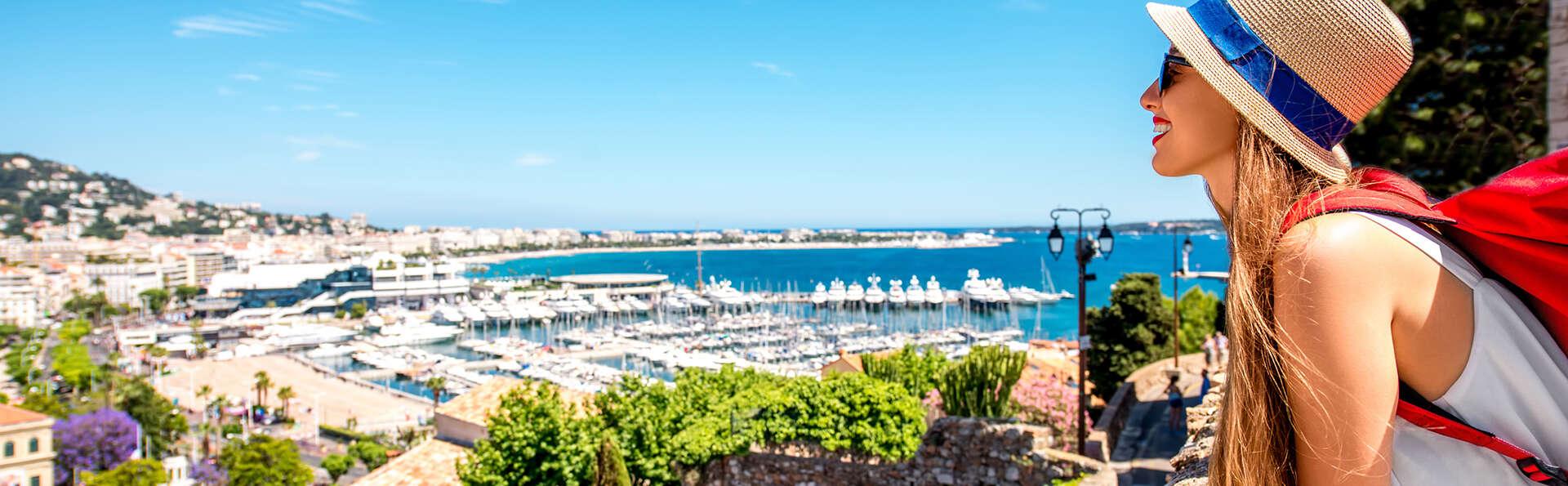 Escapade de luxe en chambre supérieure avec terrasse à Cannes