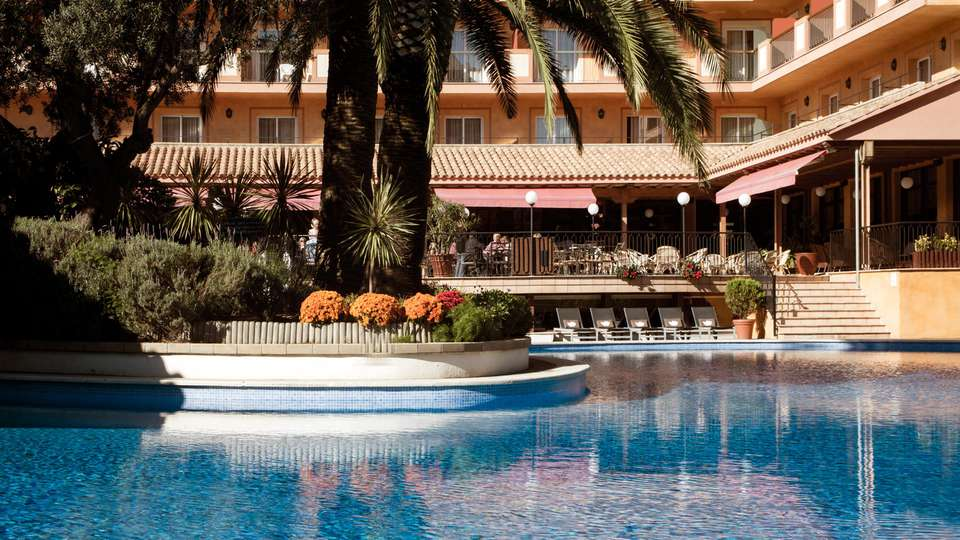 Luna Park Hotel Yoga & Spa 3* - EDIT_POOL_03.jpg
