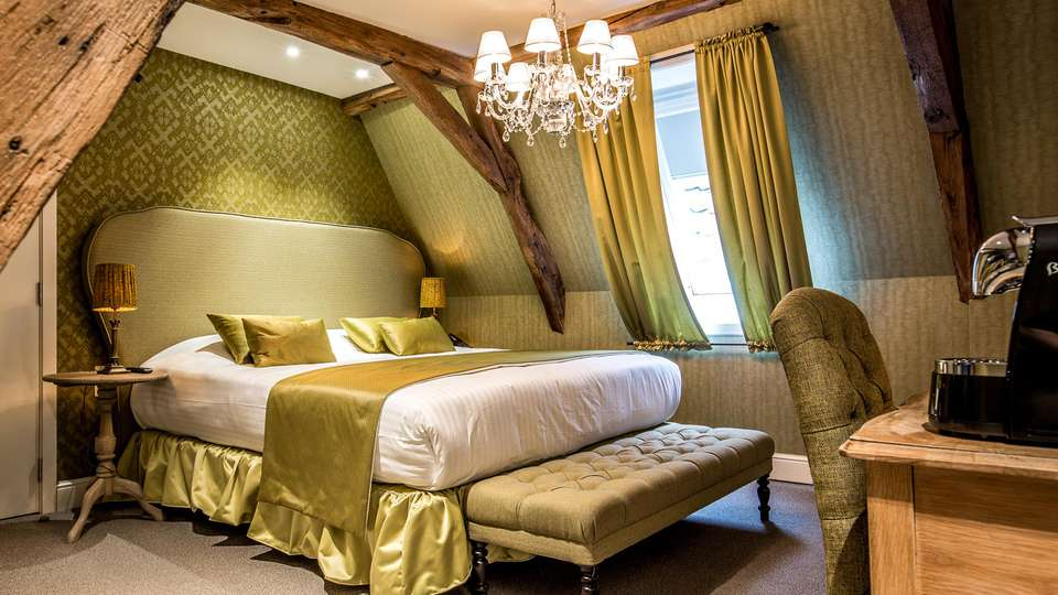 Hotel De Castillion - EDIT_NEW_ROOM_01.jpg