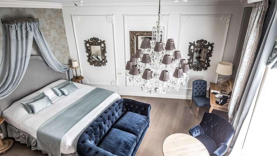Hotel De Castillion - EDIT_NEW_ROOM_02.jpg