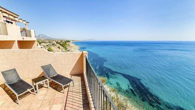 Descansa en un apartamento vista mar ubicado en un acantilado:  con desayunos y salida tardía