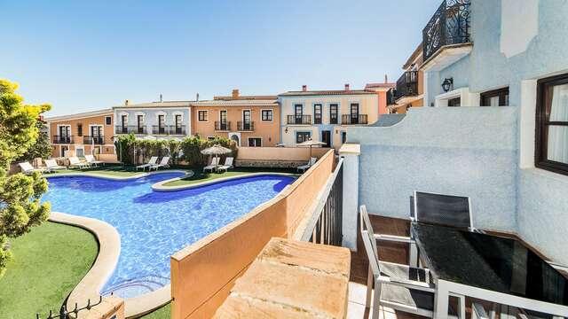 Escapada en solo alojamiento en apartamento vista piscina ubicado en la Costa Blanca
