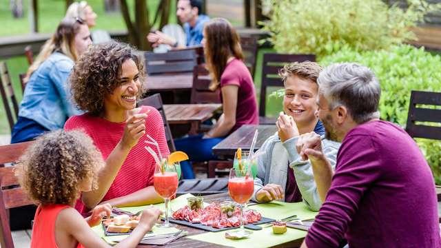 Soggiorno per famiglie in mezza pensione tra le verdi Dolomiti con bambino gratuito!