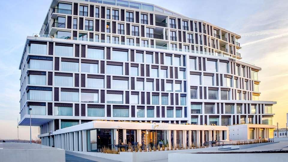 Radisson Blu Hotel Bruges - EDIT_FRONT_01.jpg