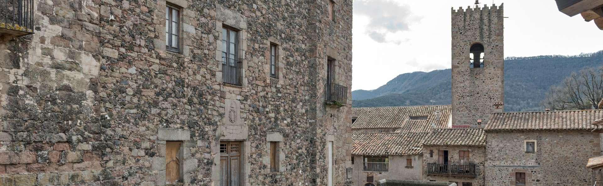 Découvrez en famille la Sierra de la Garrotxa depuis l'intérieur