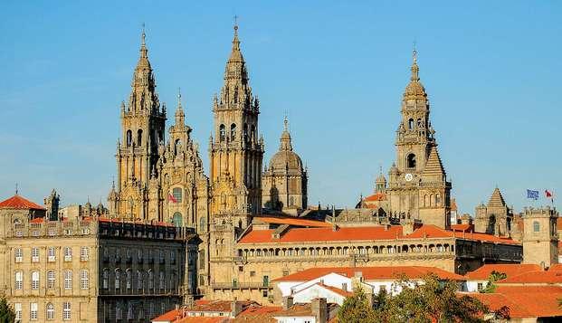 Escapada con encanto en el centro de Santiago de Compostela con desayuno incluido
