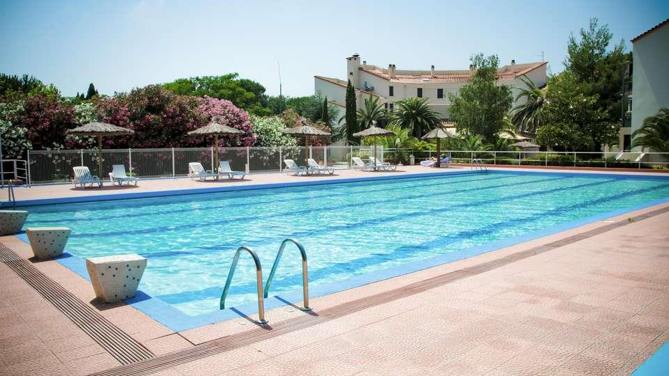 Quality Hôtel Las Motas Restaurant & Spa, St Cyprien  - EDIT_POOL_05.jpg