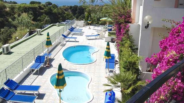 Vacances à Ischia en demi-pension avec accès au spa