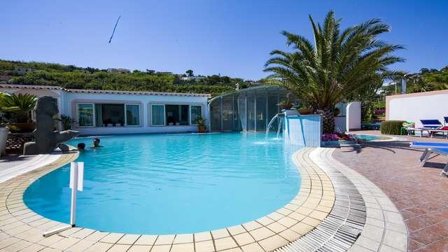 Vacances à Ischia : 7 nuits en demi-pension plus spa à Forio !