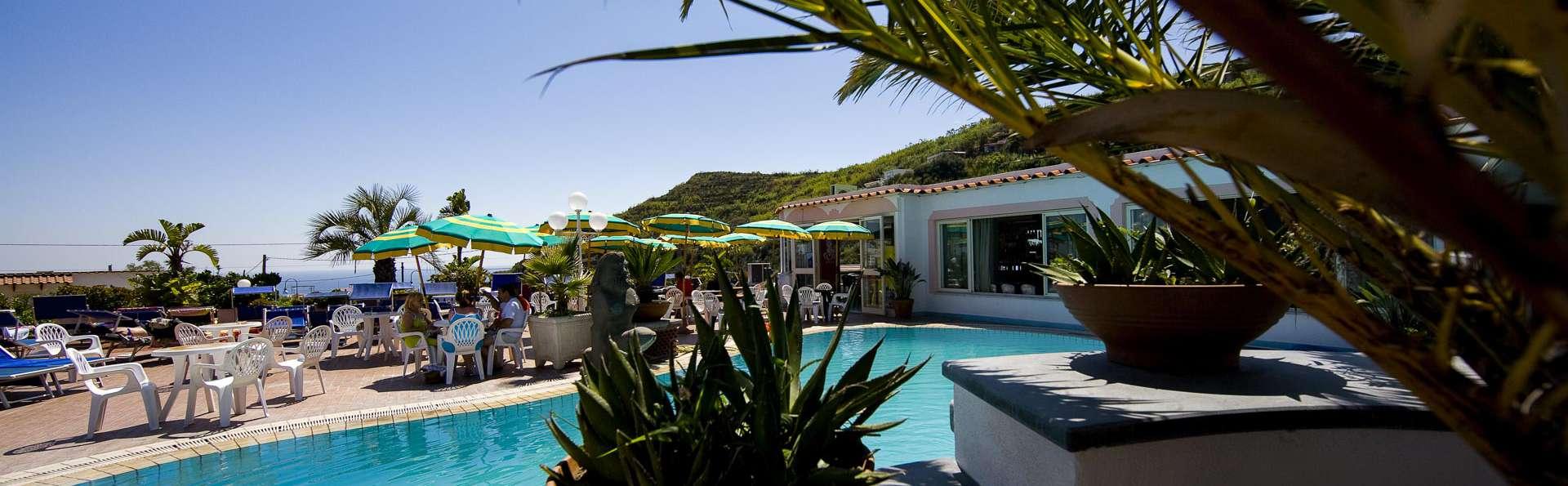Offerta di benessere ad Ischia: due notti in mezza pensione e spa