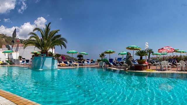 Descansa en la maravillosa isla de Ischia y disfruta del spa