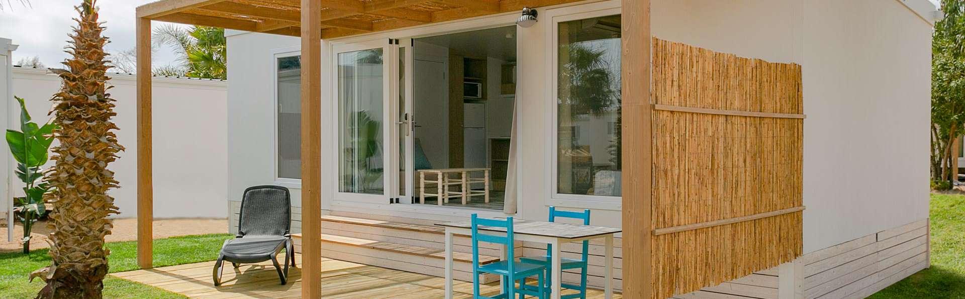 Resort con piscinas, animación y actividades en bungalow Mykonos en Miami Platja