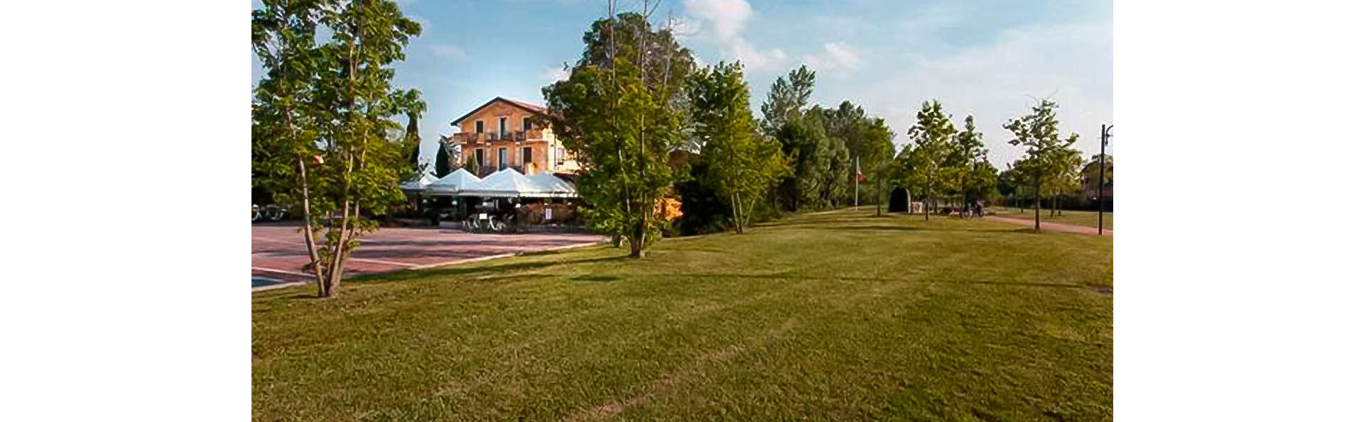 Hotel Riel - EDIT_FRONT_01.jpg