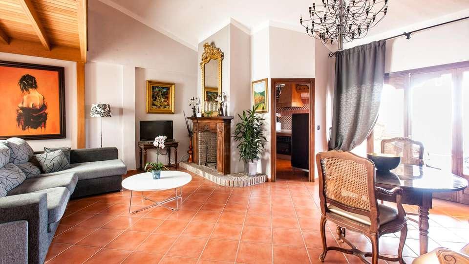 Apartamentos Abril - EDIT_APARTMENT_07.jpg