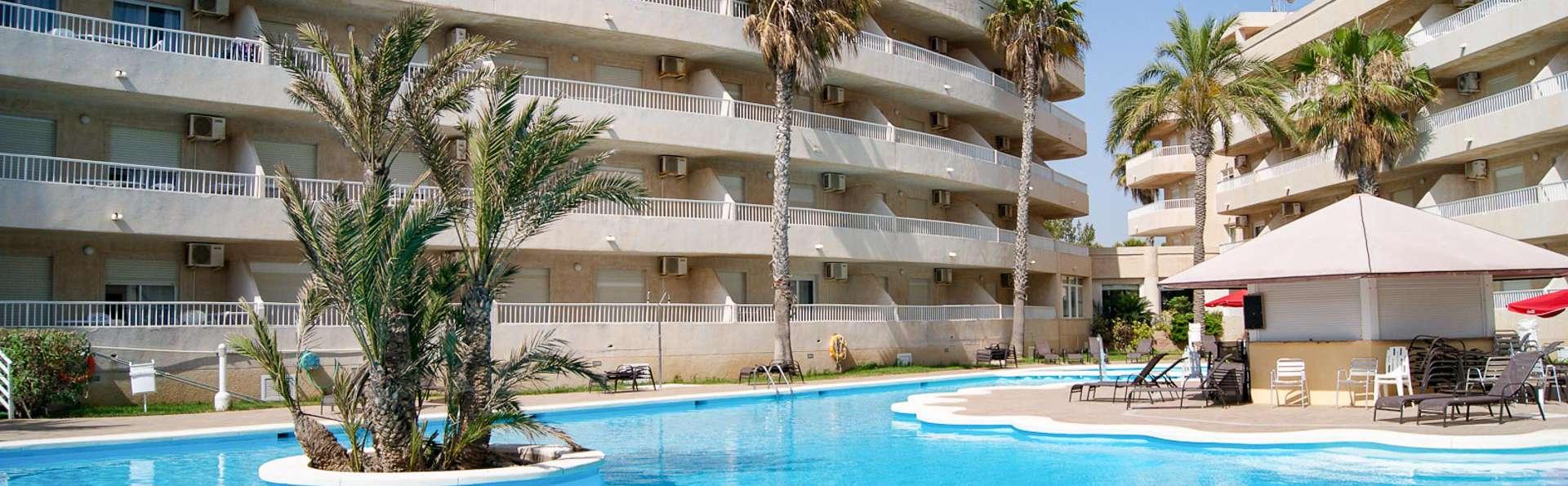 Apartamento con terraza en Torrevieja para hasta 5 personas a primera línea de playa