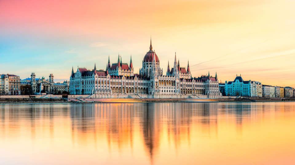 Continental Hotel Budapest - EDIT_BUDAPEST3.jpg
