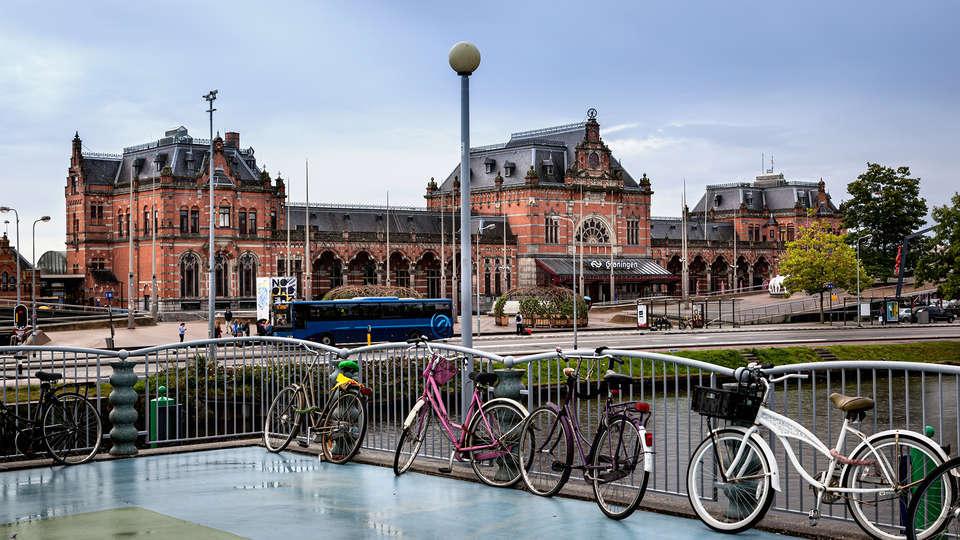 Apollo Hotel Groningen - Groningen_station.jpg