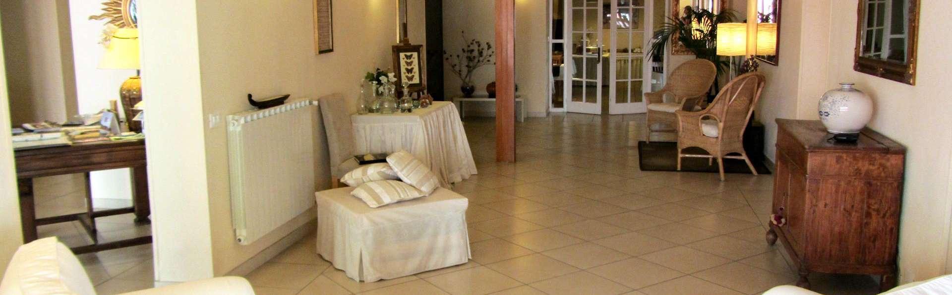 Hotel Ausonia - EDIT_HALL_01.jpg