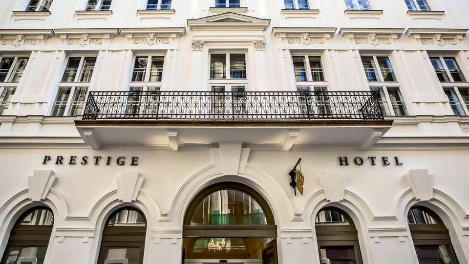 Prestige Hotel Budapest - EDIT_FRONT_02.jpg