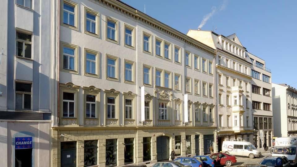 Grandium Prague - EDIT_FRONT_04.jpg
